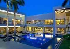 exclusive mansion in cancun hotel zone.