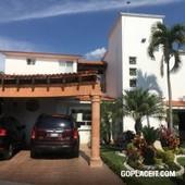 en venta, casa con alberca cocoyoc - 5 baños - 509 m2